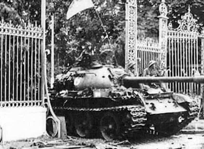 Chuyện ít người biết về hai chiếc xe tăng húc đổ cổng Dinh Độc Lập 42 năm trước - Ảnh minh hoạ 11