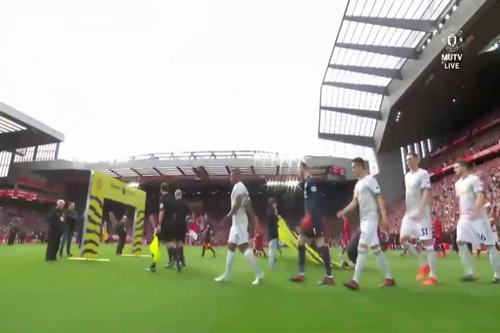 Liverpool 0-0 MU (hết hiệp 1)