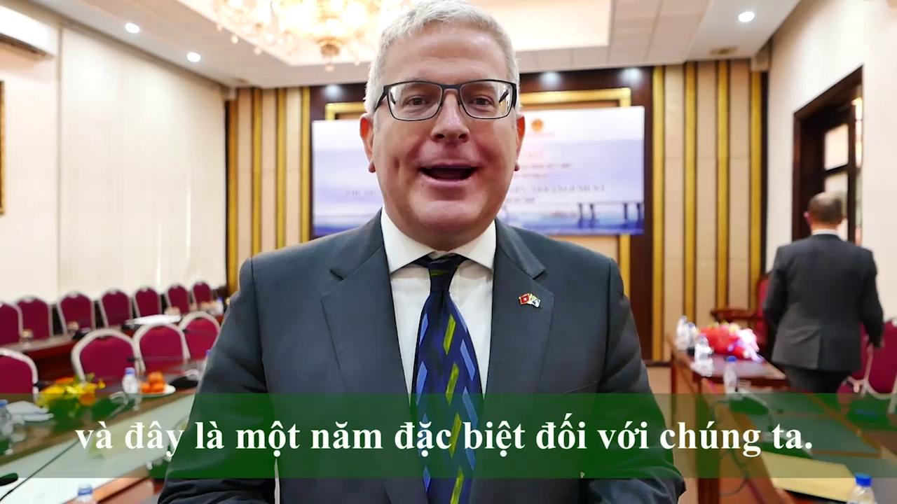 Đại sứ Australia chúc mừng năm mới bằng tiếng Việt - ảnh 1