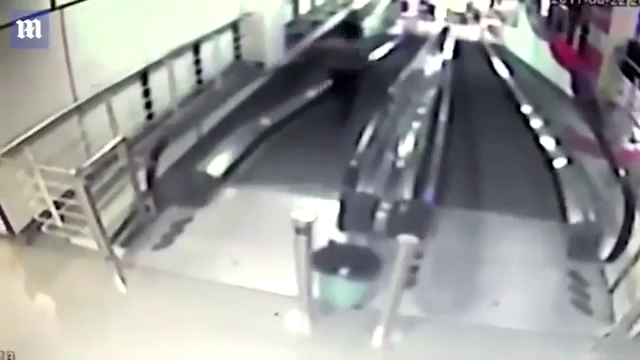 Tai nạn thang máy: Nhóc siêu quậy ngã gãy mũi trong nỗi sợ kinh hoàng - Ảnh minh hoạ 4