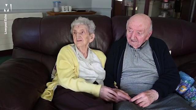Mẹ 98 chuyển đến nhà dưỡng lão chăm sóc con trai 80 tuổi - Ảnh minh hoạ 3