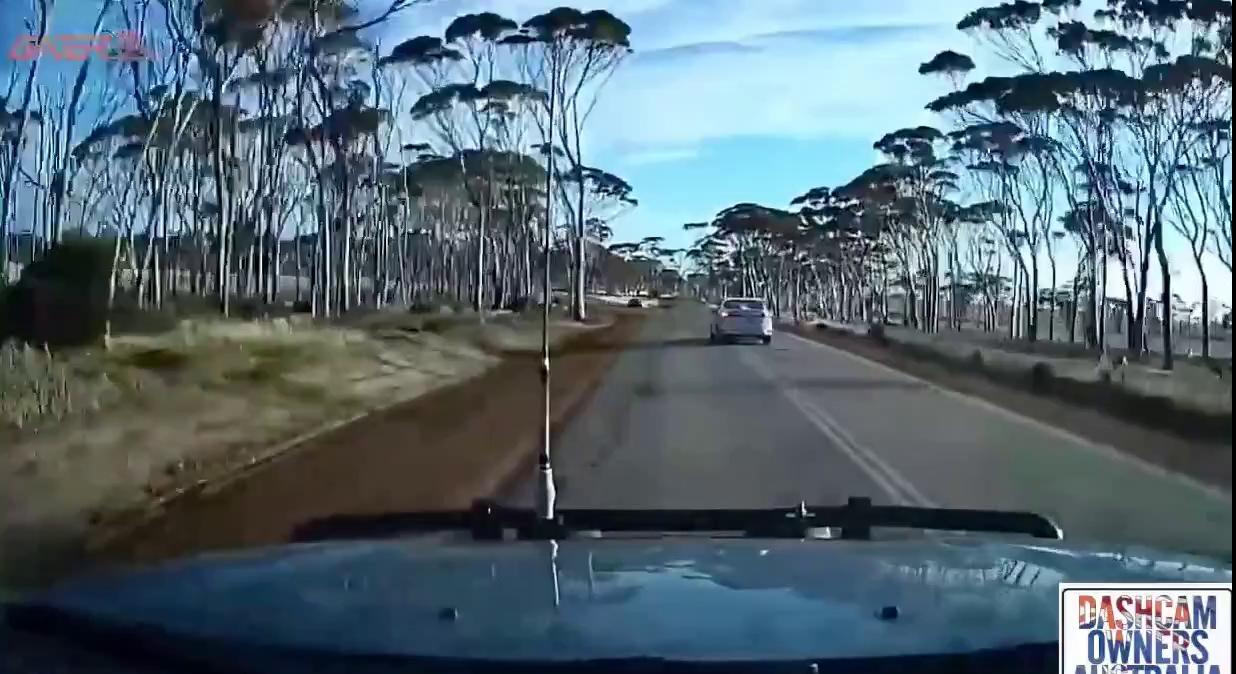 Lấn làn, vượt xe trái luật và... tai nạn - ảnh 1