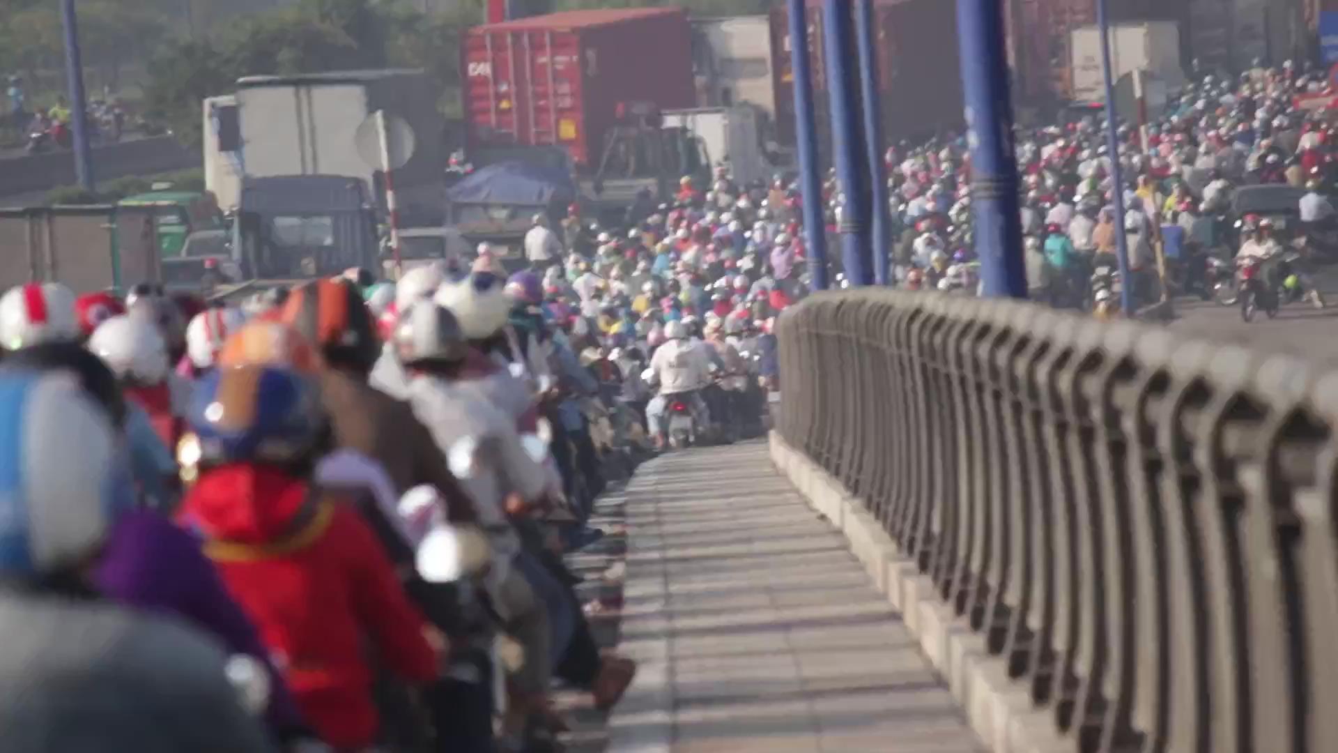 Cầu Rạch Chiếc kẹt kinh hoàng, hàng ngàn người trễ học, trễ làm