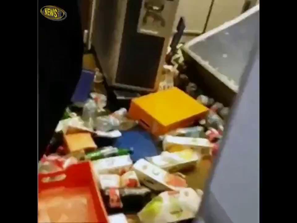 Hành khách gãy xương vì máy bay gặp thời tiết xấu