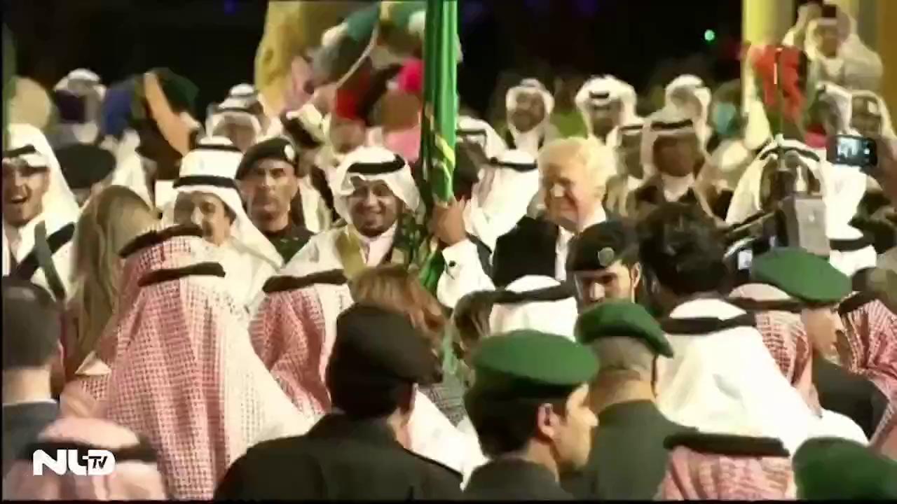 Clip: Tổng thống Donald Trump vui vẻ nhảy điệu nhảy truyền thống Ả Rập