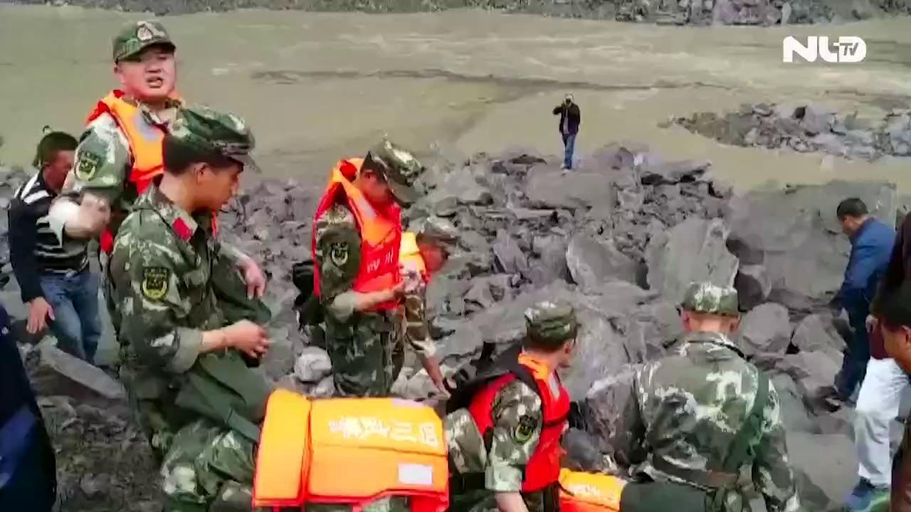 Trung Quốc: Lở đất chôn vùi 100 người