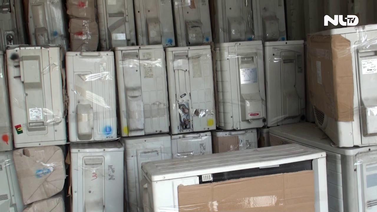 Bắt giữ container chứa hàng trăm thiết bị điện tử nhập lậu