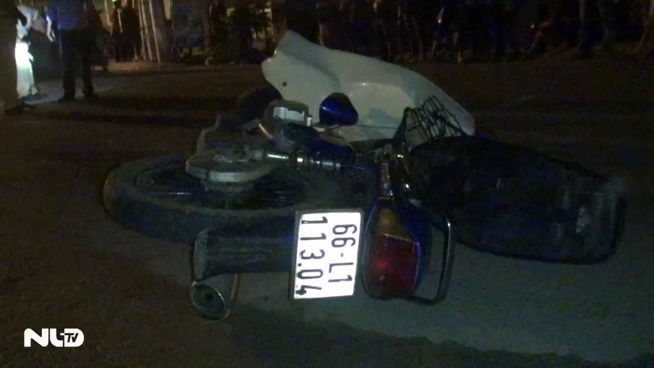 Xe máy đâm trực diện xe tự chế trong đêm, 4 người thương vong