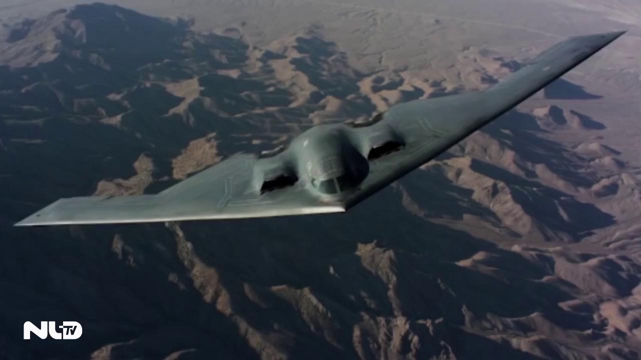 Clip: Máy bay tàng hình B-2 Mỹ, trị giá 2,1 tỉ USD lượn sát đất