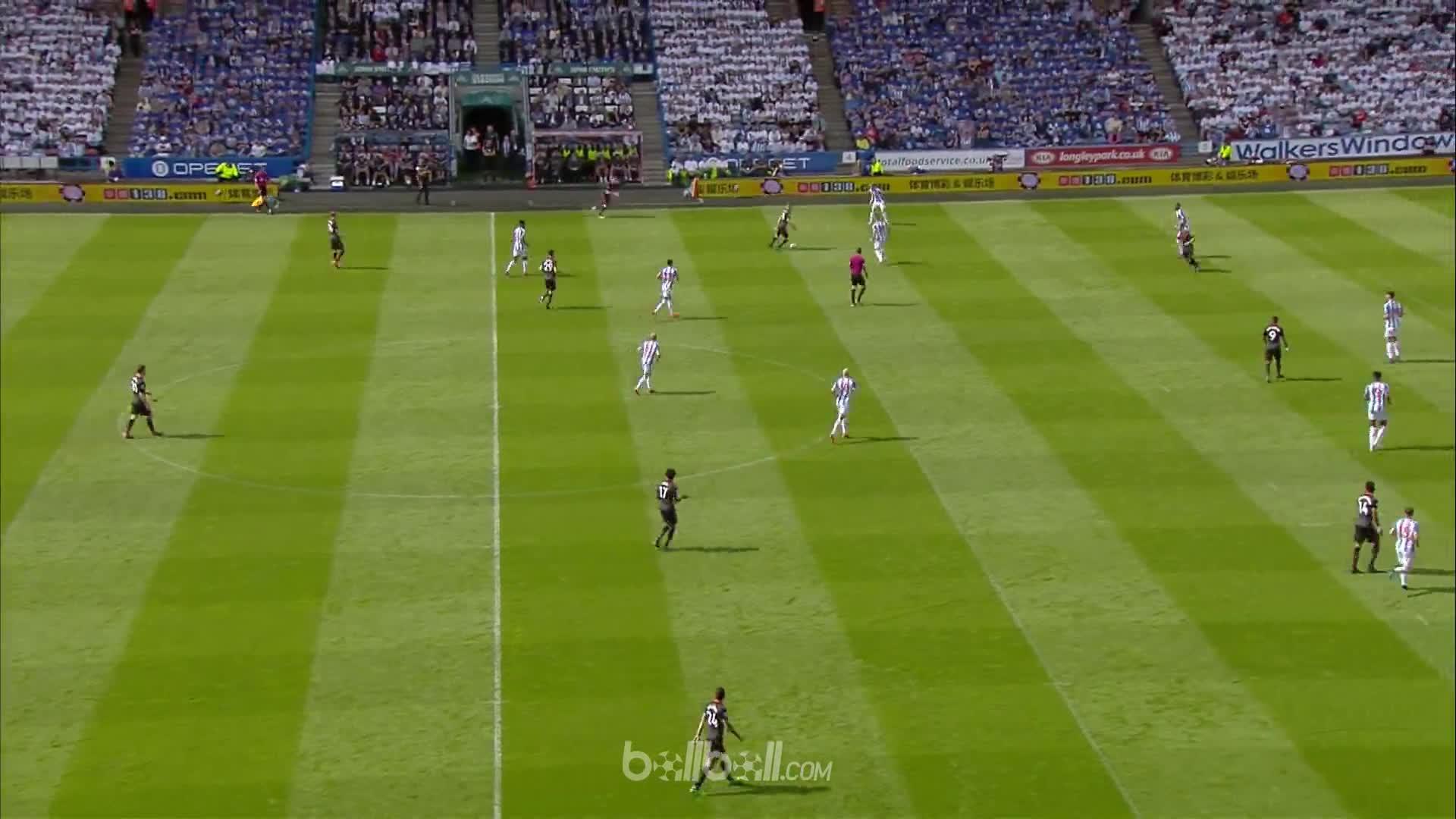 Goal P Aubameyang Huddersfield 0 - 1 Arsenal
