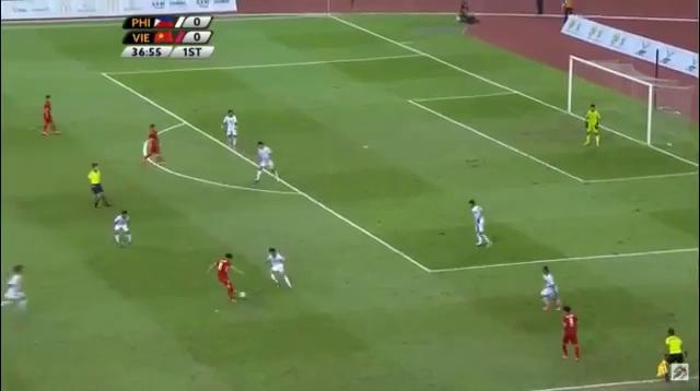 Công Phượng solo qua 3 cầu thủ Philippines ghi bàn