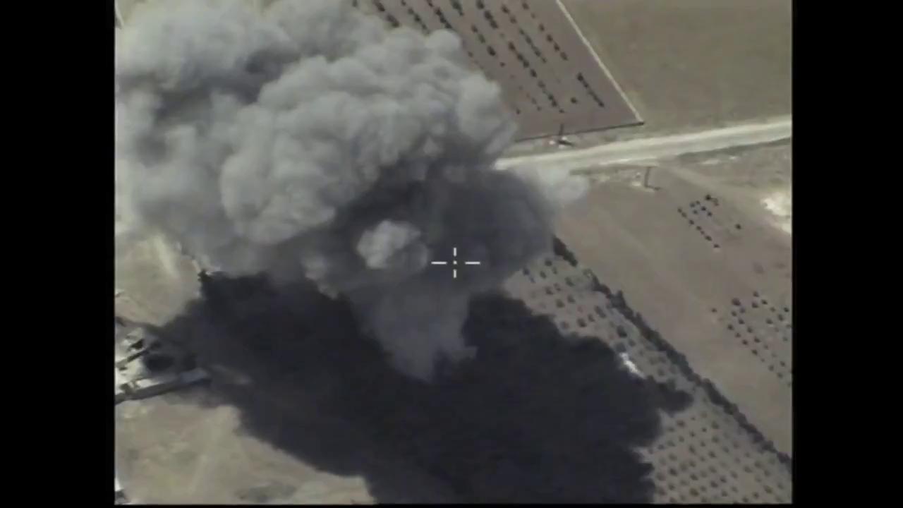 [VIDEO] Cận cảnh máy bay TU-95 dội bom tiêu diệt mục tiêu IS tại Hama