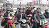 Người dân ùn ùn đổ về Thủ đô Hà Nội sau kỳ nghỉ Tết