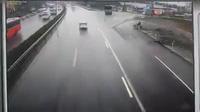 Clip xe khách đấu đầu xe cứu hỏa trên cao tốc Pháp Vân - Cầu Giẽ