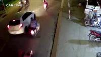 Clip tai nạn thảm khốc với 13 ôtô, xe máy tại TP.HCM