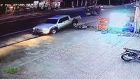 """Người đi xe máy, đừng trở thành """"nỗi khiếp sợ"""" của ô tô!"""