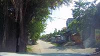 Mở cửa ô tô bất cẩn, tài xế gạt xe đạp điện ngã nhào giữa đường