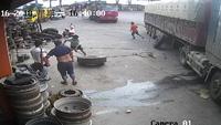 Nổ lốp ôtô nguy hiểm thế nào?