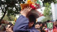 Hàng vạn người chen chân lễ phủ Tây Hồ ngày đầu năm