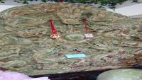 Cận cảnh bức tranh ngọc tạc 9 con rồng lớn nhất Châu Á của đại gia Thái Nguyên
