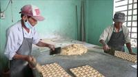Làng bánh in An Lạc hối hả vào Tết