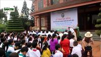 Trao học bổng đến học sinh nghèo vượt khó tại quê hương cố Tổng bí thư Lê Duẩn