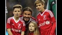 Harper Beckham - con gái của David và Victoria Beckham