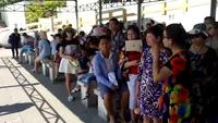 """Nha Trang: Du khách """"chen chân"""" ở bến tàu du lịch dịp lễ 30/4"""