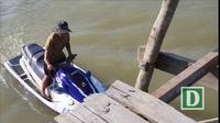 Khởi động làm cầu gỗ cho học sinh ở Nha Trang qua sông đi học
