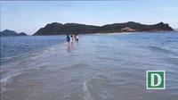 Du khách tham quan thủy đạo Điệp Sơn ở Khánh Hòa