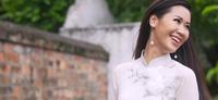 Video Dương Thùy Linh tự tin giới thiệu bản thân với bạn bè quốc tế bằng tiếng Anh lưu loát