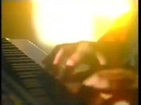 Thu Minh khoe giọng ca cao vút với ca khúc Bóng cây Kơ-nia năm 16 tuổi