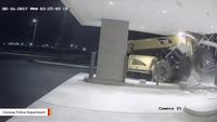 """Mỹ: Kẻ trộm dùng xe nâng """"nhấc bổng"""" cây ATM"""