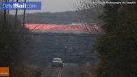 Cận cảnh dòng dung nham núi lửa Hawaii tuôn trào như thác