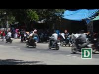 Nhiều học sinh Quảng Ngãi vẫn đi xe máy phân khối lớn dù không được phép