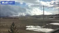 """Đám mây khổng lồ cuộn trên mặt đất như """"sóng thần"""" khủng khiếp"""