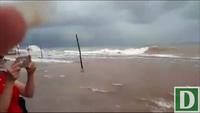 Triều cường dâng cao, sóng tràn đê Quất Lâm