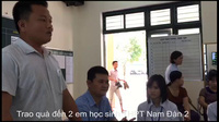 """Trao 20 suất học bổng cuộc đua xe đạp """"Về Trường Sơn""""."""