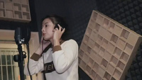 """""""Búp bê ảnh thẻ"""" lần đầu khoe giọng hát ngọt lịm cover """"Người lạ ơi"""""""