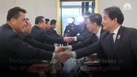 Cái bắt tay lịch sử giữa những người anh em trên bán đảo Triều Tiên