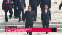 Khoảnh khắc bắt tay lịch sử của hai nhà lãnh đạo Hàn - Triều