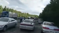 Màn hạ cánh giữa đường hiếm thấy của máy bay quân sự Nga