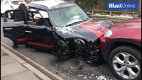 Hiện trường vụ tai nạn giao thông liên quan tới MC nổi tiếng Ant McPartlin
