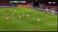 Hà Lan gục ngã trước Italia