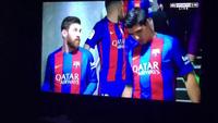 Messi gãy răng sau cú thúc cùi chỏ của Marcelo