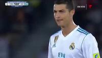 Bàn thắng từ chấm đá phạt của C.Ronaldo vào lưới Gremio