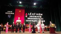 Phó Chủ tịch nước trao tặng Huân chương Lao động hạng Nhì cho ĐH Khoa học Huế