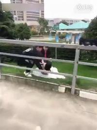 Cô dâu bị tai nạn cực đau khi đang chụp ảnh cưới