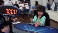 Cô bé 3 tuổi giải khối rubik chỉ trong 47 giây