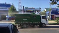 Xe hút bụi rồi lại... thải bụi ra môi trường tại Sài Gòn khiến dân mạng xôn xao